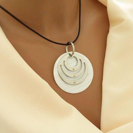Γυναικείο Ατσάλινο Κολιέ 316L Με Κορδόνι Χρυσό 14 Καρατίων Madre Perla