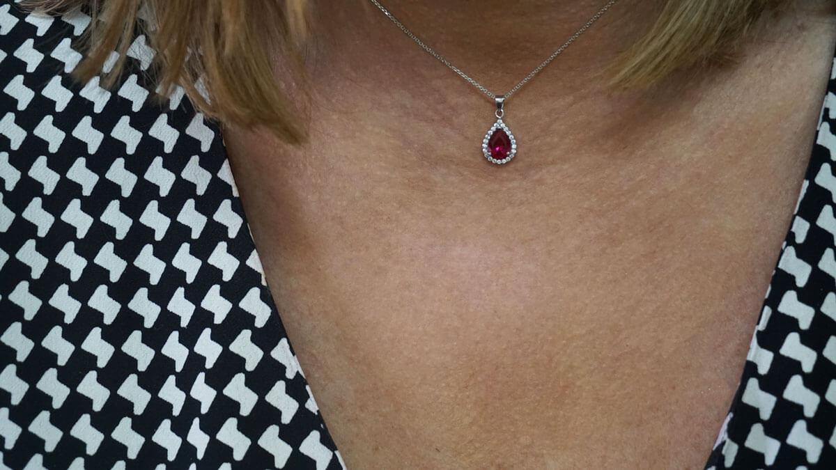 Λευκόχρυσο Γυναικείο Μενταγιόν Λαιμού Δάκρυ Ζιργκόν Κόκκινη Πέτρα