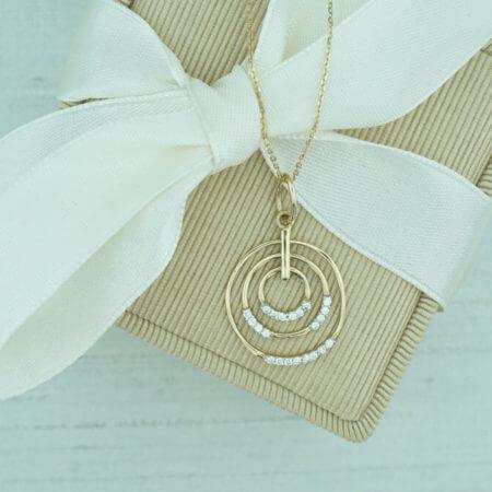 Γυναικείο Μενταγιόν 14Κ Χρυσό Πέτρες Ζιργκόν Κύκλοι