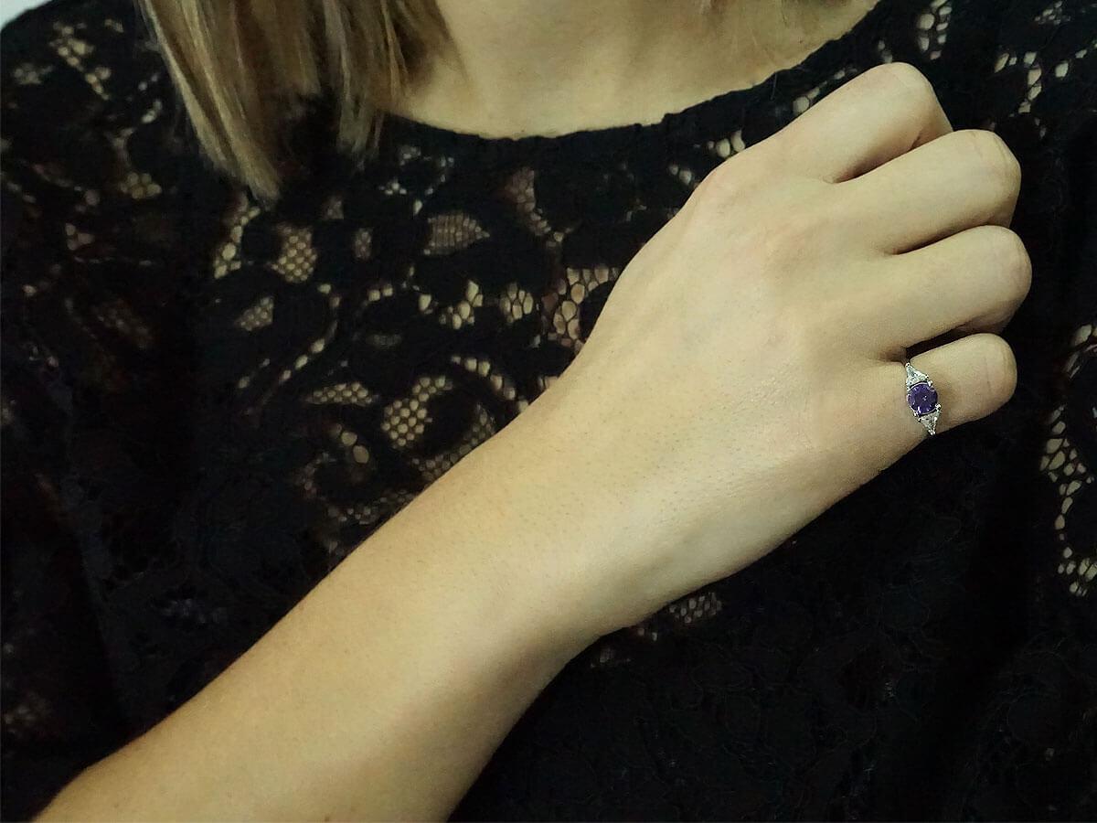 Γυναικείο Λευκόχρυσο Δαχτυλίδι Μωβ Πέτρα 14 Καράτια