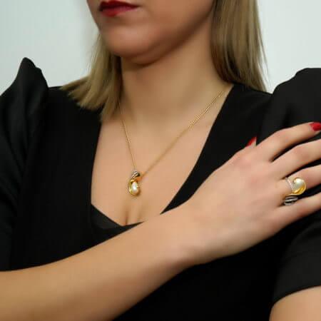 Γυναικείο Μενταγιόν 18 Καράτια Χρυσό Μαργαριτάρι Διαμάντια