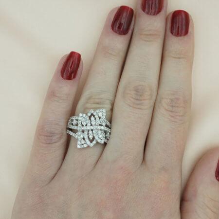 Δαχτυλίδι Γυναικείο Λευκόχρυσο 18 Καράτια Μπριγιάν Διαμάντια
