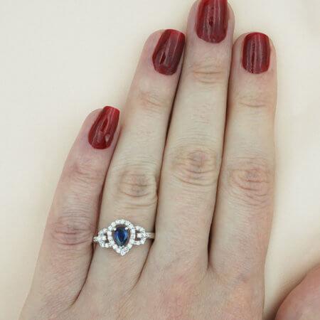 Λευκόχρυσο Δαχτυλίδι 18 Καρατίων Διαμάντια Μπριγιάν Ζαφείρι Μπλε Δάκρυ Γυναικείο
