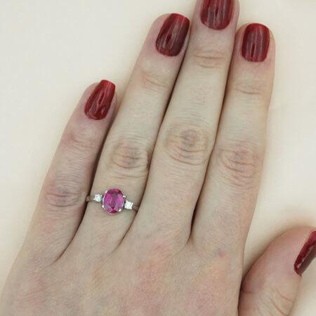Λευκόχρυσο Δαχτυλίδι Ροζέτα 18 Καρατίων Διαμάντια Μπριγιάν Ρουμπίνι Γυναικείο