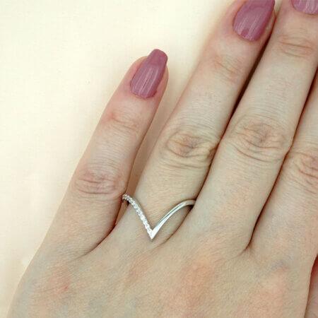 Λευκόχρυσο Δαχτυλίδι με Ζιργκόν Πέτρες Σχήμα V Γυναικείο 14Κ