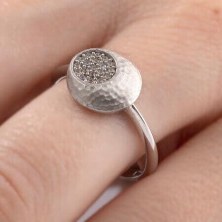 Γυναικείο Δαχτυλίδι Λευκόχρυσο 14 Καράτια Ροζέτα Ζιργκόν Πέτρες Σφυρήλατο Σχέδιο