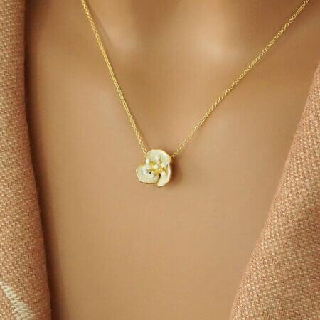 Χειροποίητο Χρυσό Κολιέ Λουλούδι Λευκό Σμάλτο 14Κ Πέτρες Λευκόχρυσο Γυναικείο Κόσμημα