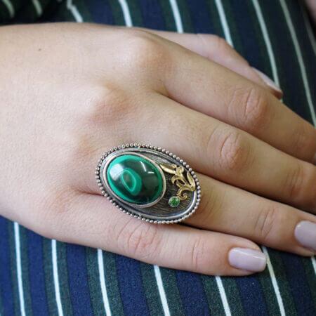 Δαχτυλίδι Με Πράσινη Πέτρα