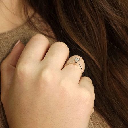 Μονόπετρο Δαχτυλίδι Με Διαμάντι Brilliant Σε Λευκόχρυσο 18 Καράτια